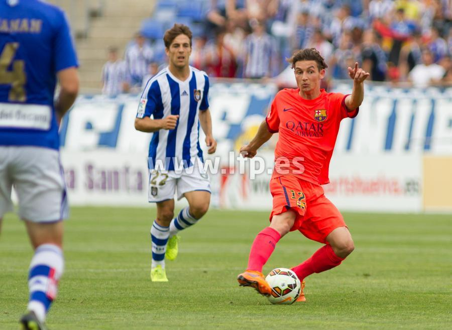 Babunski controls the ball