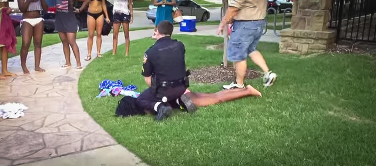#McKinney Police Officer Placed on Leave After Video of Disturbance Goes Viral http://t.co/bD5d7p7tX0 http://t.co/5Aimr8cgKj