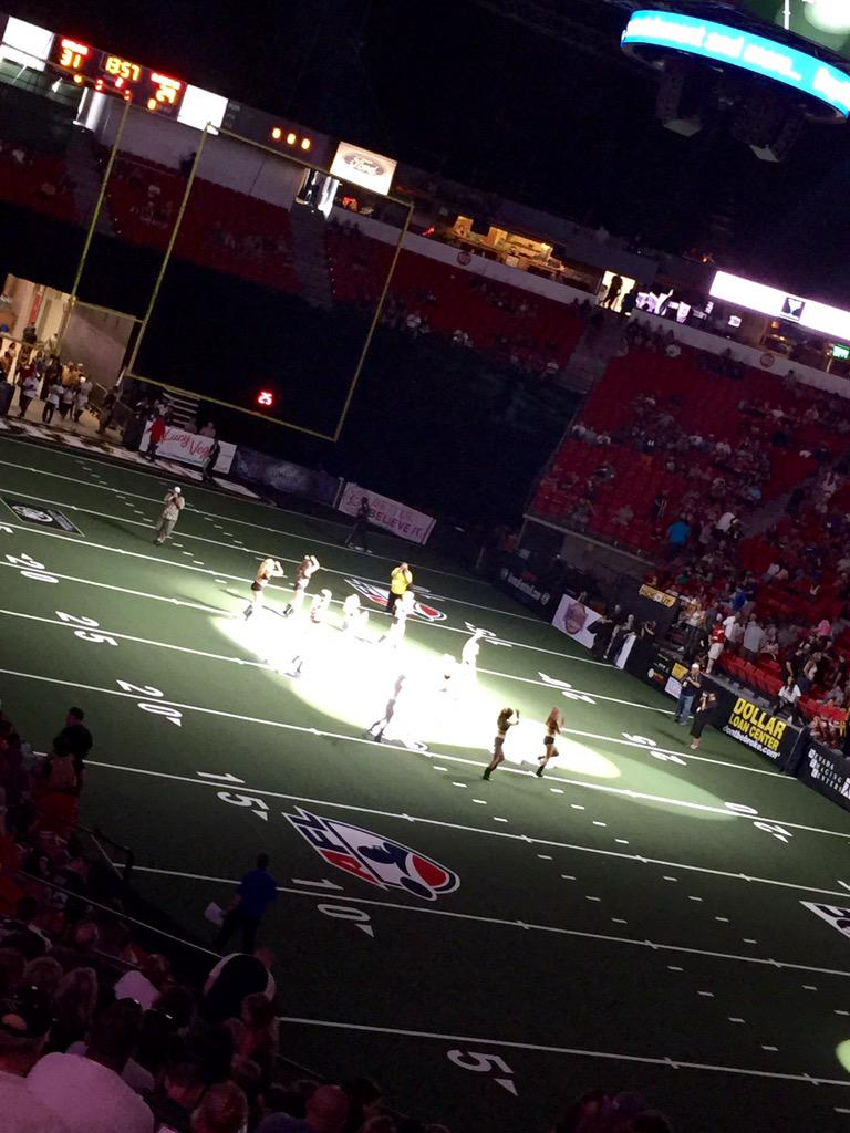 @AFLOutlaws @Mariah_Rivera1 @87ChelseaDee #MikiH  All the girls look great!!! #thanxfortix #ineedtomeet @bobhewko 😄 http://t.co/eAlch3qg0y