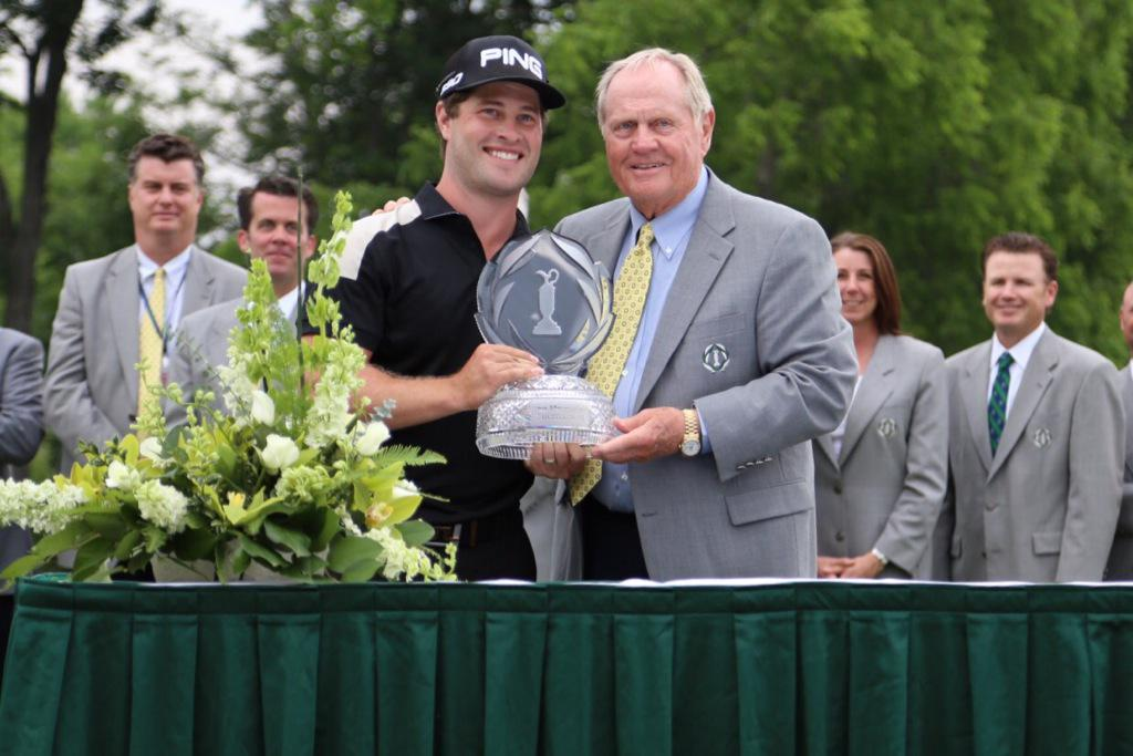 And #theMemorial trophy...all smiles for @dlingmerth with @jacknicklaus. http://t.co/V90nwdz2pj