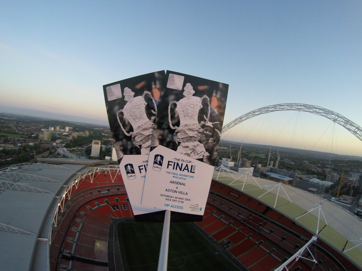 Arsenal fan finds FA Cup final tickets that fell from space