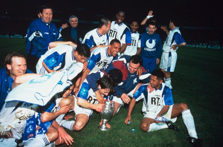 """AJ Auxerre on Twitter: """"2ème Coupe de France pour l'AJA en 1996 !  http://t.co/A5YojFa3Fu RDV samedi pour #AJAPSG ! #TousAJA #ParisBleuetBlanc  http://t.co/qelpeqHnuM"""""""