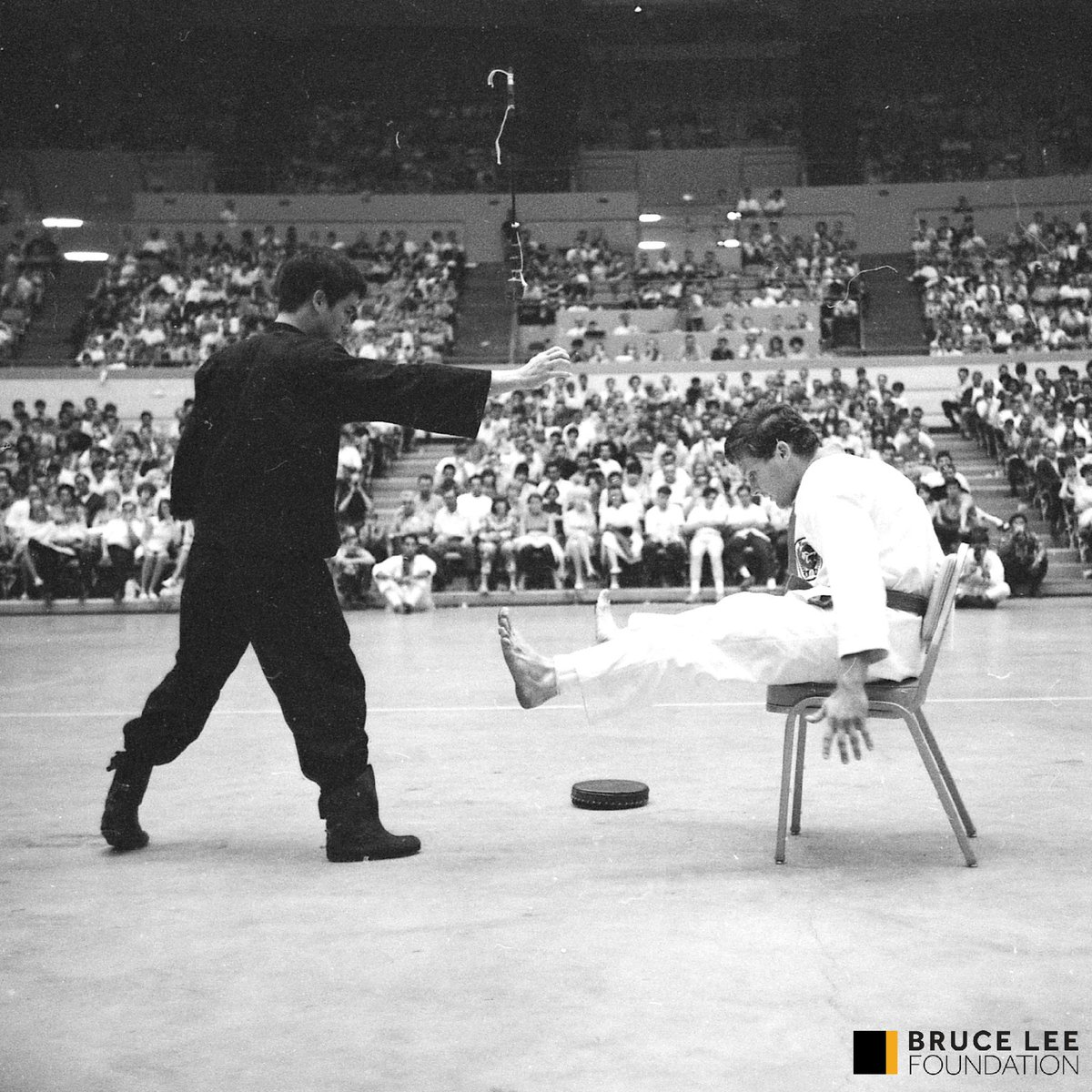 Bruce Lee One Inch Punch: How To Train And Use It