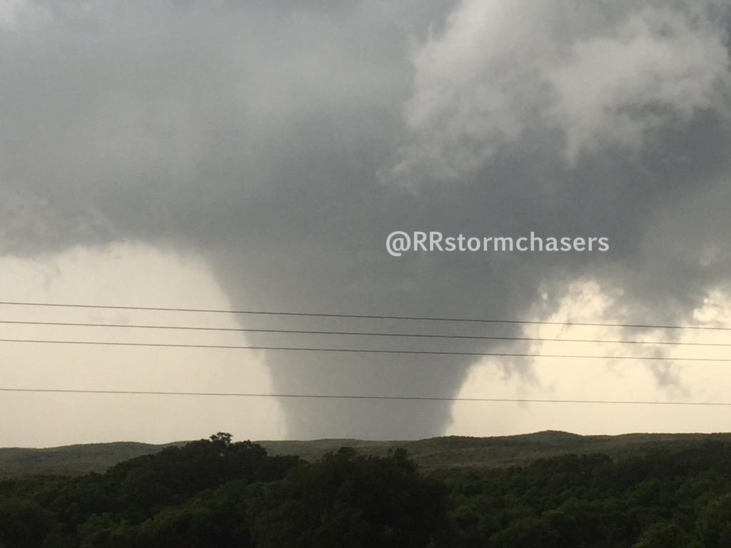#Tornado north of Canadian, TX a few minutes ago. #txwx http://t.co/JWxX3q5tM6