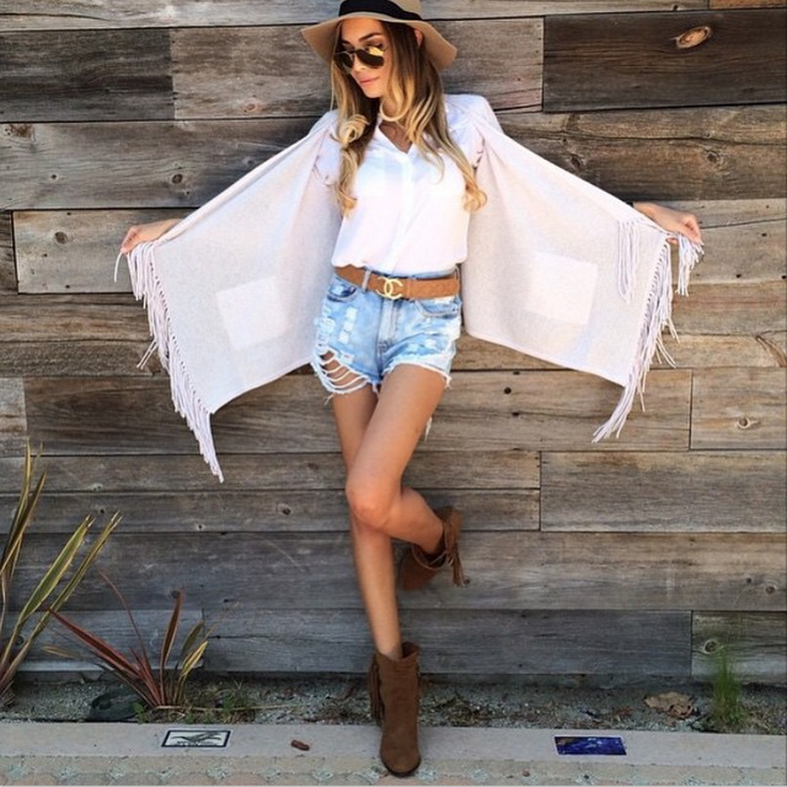RT @Sam_Edelman: Jasmine_tosh in the 'Louie' fringed bootie... https://t.co/AAyiNdPNFa http://t.co/W5y8aViFoG