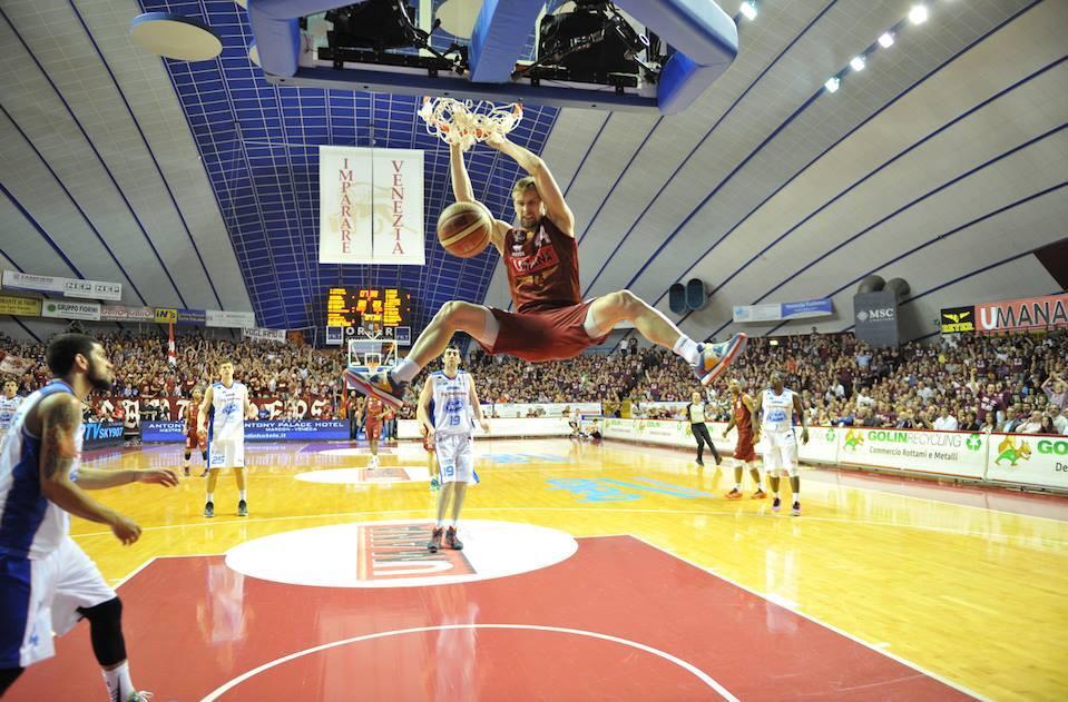 Basket Play-off Serie A: Umana Reyer Venezia e Reggio Emilia in semifinale scudetto