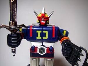 @retoro_mode デンジマンのロボット。9歳の息子曰く「エコってなに?」息子よ、それはエコでは無くデンジマンの「D」だよ(笑) pic.twitter.com/KVWusNSoBm