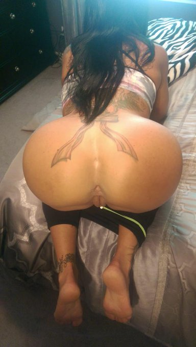 #ASSWednesday #HumpDay #SheSquats #Booty #Whooty #ButtSlut http://t.co/Usm368eXnv