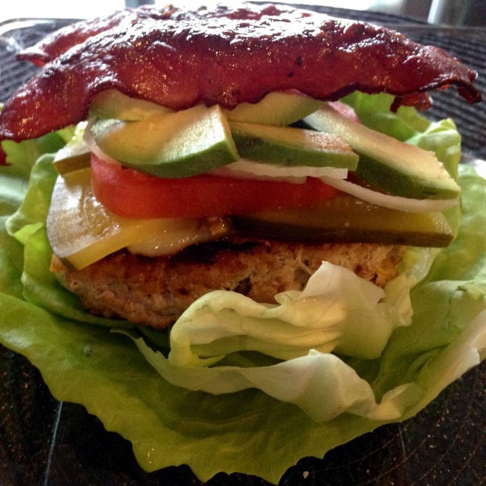 @21DayFix  RED container! Homemade turkey burgers with turkey bacon made with Greek yogurt! :) http://t.co/rFKWxypLge