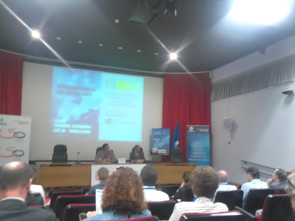 """Conferencia inaugural @igfspain """"El futuro de la política en un mundo de ciudadanos interconectados"""" #igfpolitica http://t.co/0KHUbXd54D"""