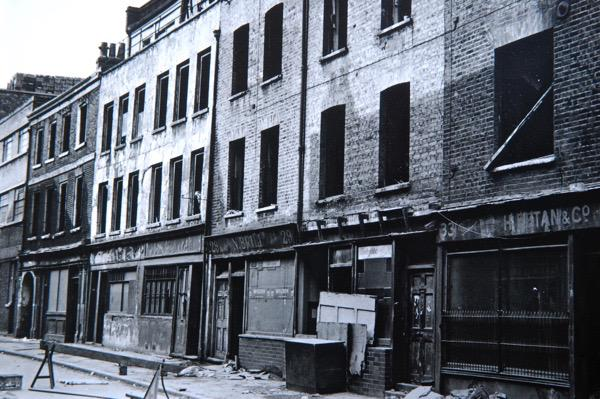 Amazing photos 'Spitalfields Then & Now' http://t.co/jJs9SyVuPL #SaveNortonFolgate #heritage #London http://t.co/b3rQOurBc3