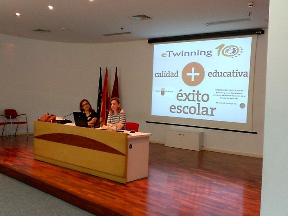 Comienzan las Jornadas #eTwinMurcia @Begoiniesta #etwinning10 @eTwinning_es http://t.co/Qu4MH1uA2k