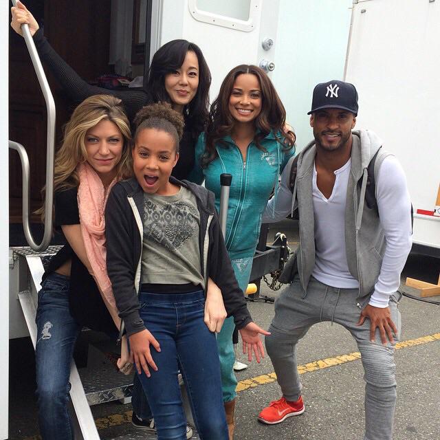 Great to be back with the @Mistresses_ABC fam again @rochelleaytes @jesmacallan @YunjinKim1 @corinnemassiah #season3 http://t.co/sscS2fK8ga