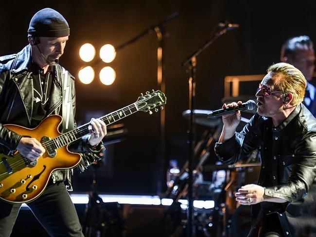 U2's legendary manager dies at hotel http://t.co/6Wln2Eqpwk http://t.co/j46CifRwqe