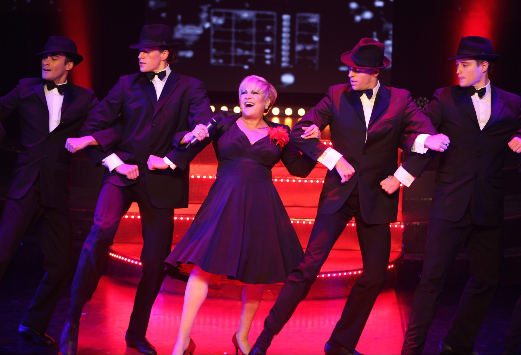 RT @NewTheatreOx: Have you seen the pix from @JudyGarlandShow (Jul 23-25)? Stars Judy's daughter Lorna Luft. http://t.co/qztAjv6ZEv http://…
