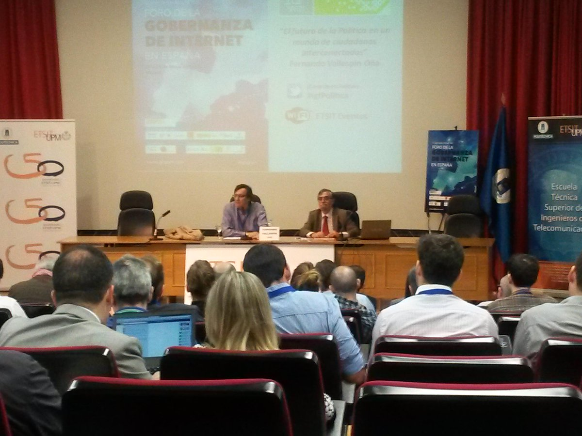 @FVallespin hablando sobre el futuro de la politica con ciudadanos interconectados #igfPolitica http://t.co/XjA3XbLwFC