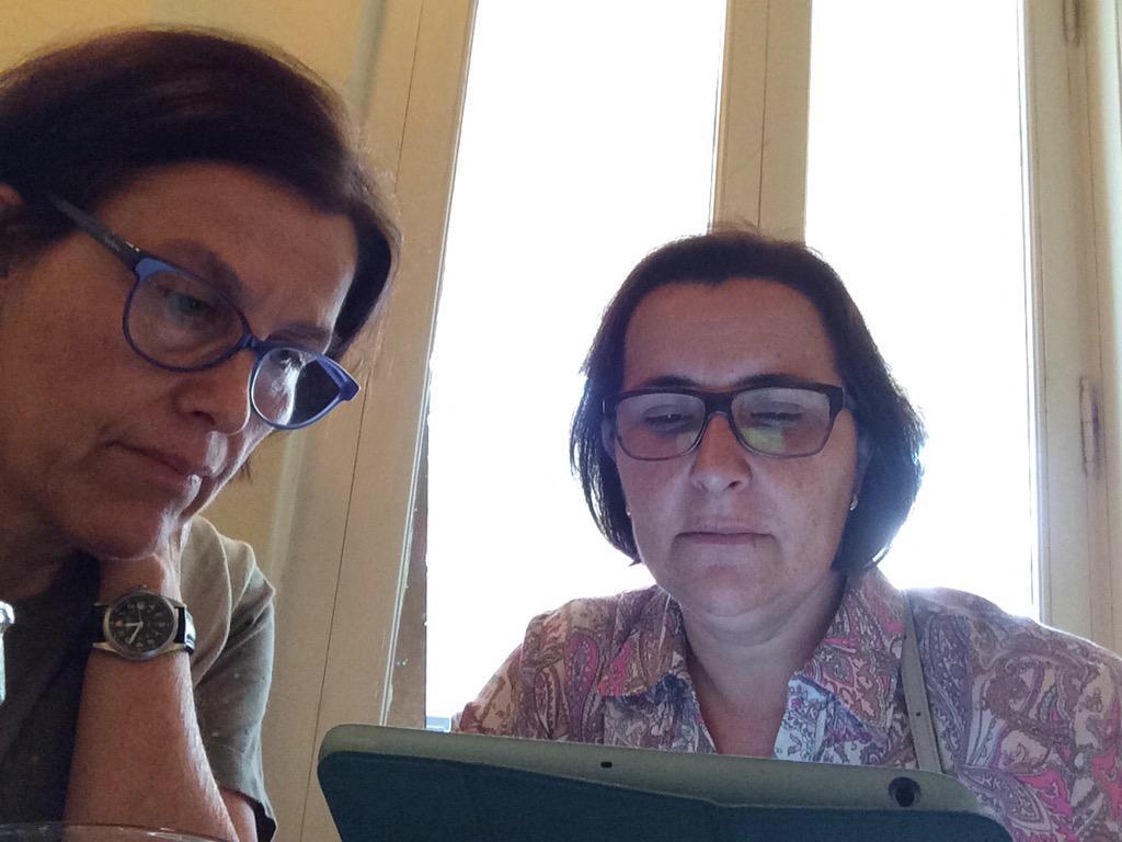 #CDigital_INTEF #MOOCafeValencia hemos empezado a intercambiar experiencias ! http://t.co/B1Tch8Ek3m