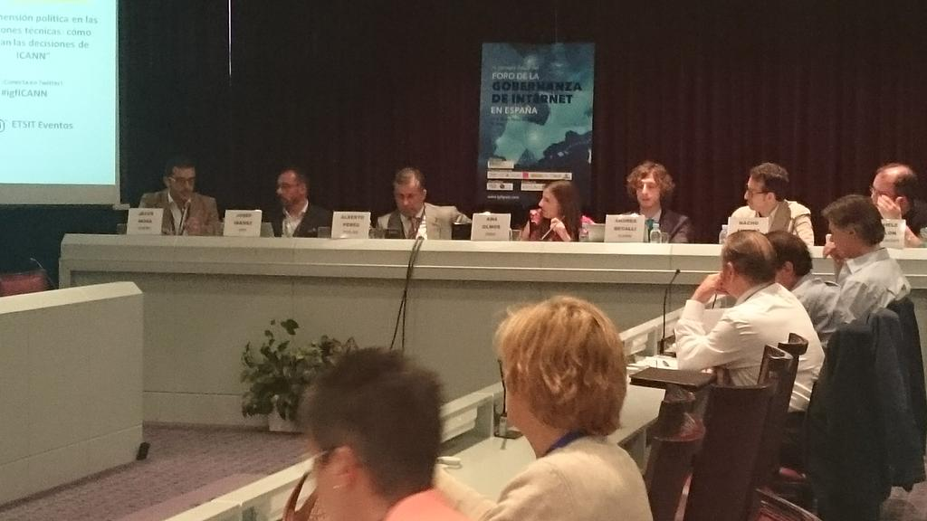 Estamos en el Foro de la Gobernanza de Internet, se debate sobre las regulaciones de ICANN en #igfICANN http://t.co/gF1XOpAT07