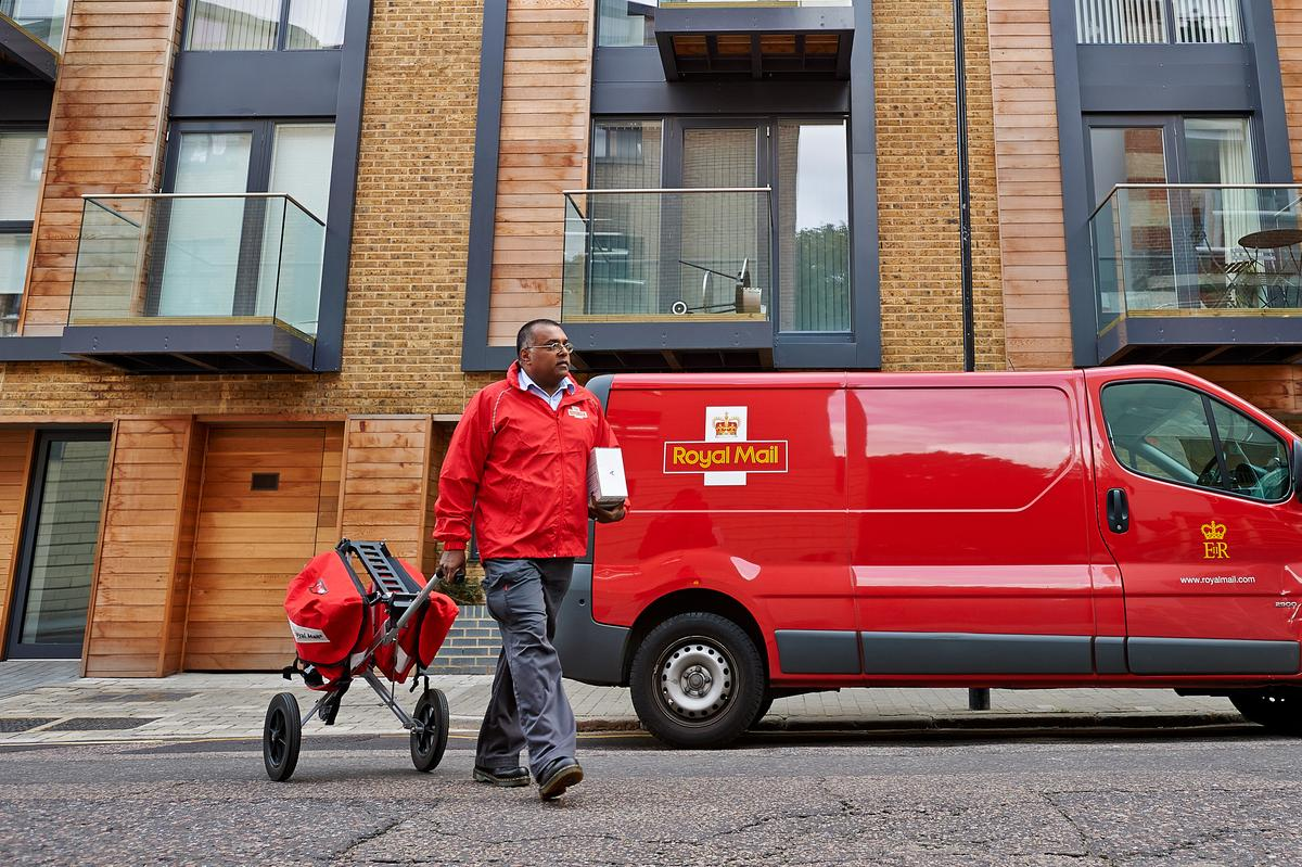 .@RoyalMail is speaking with #creative agencies about a new #brand #campaign in the UK http://t.co/4pMBdMSbzu http://t.co/RTcixt4C6k