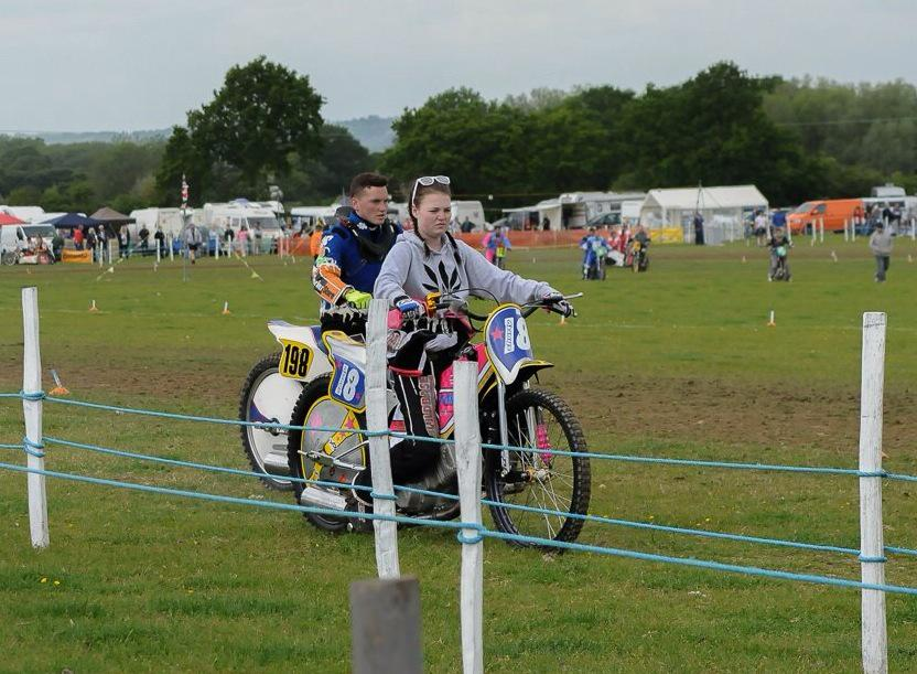Grasstrack Banter On Twitter Girl Racer Megan Holtby On Parade Last Week Before Racing To 5th In The 350cc Class Girlracerprob Girlracerprobs Http T Co Mzevv6psdw