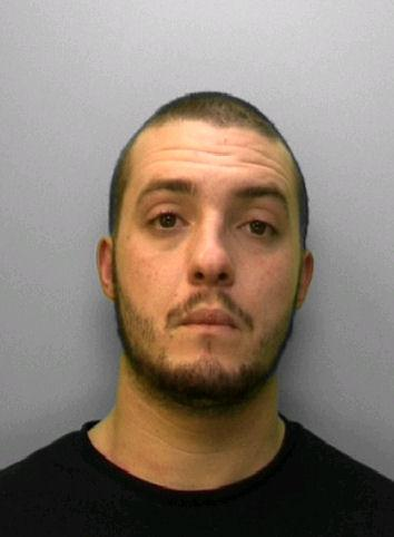 A pregnant woman was kicked in the head on Brighton seafront. Police want to talk to this man http://t.co/BpDYgOwXq9 http://t.co/Zwla0EqHG9