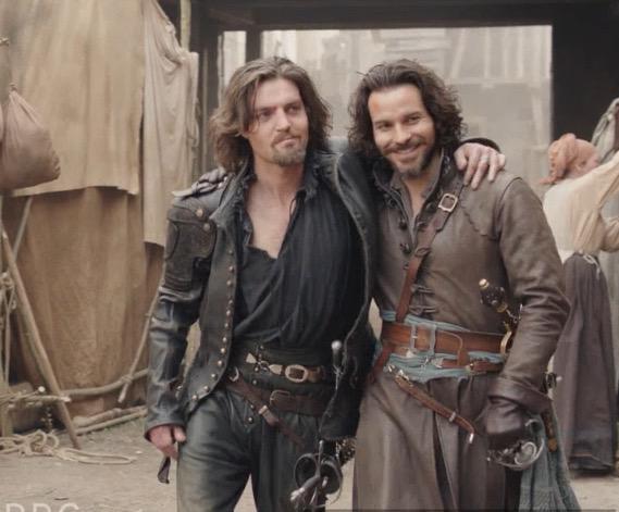 musketeers - The Musketeers saison 3 CGHJ2SJWEAApQbI