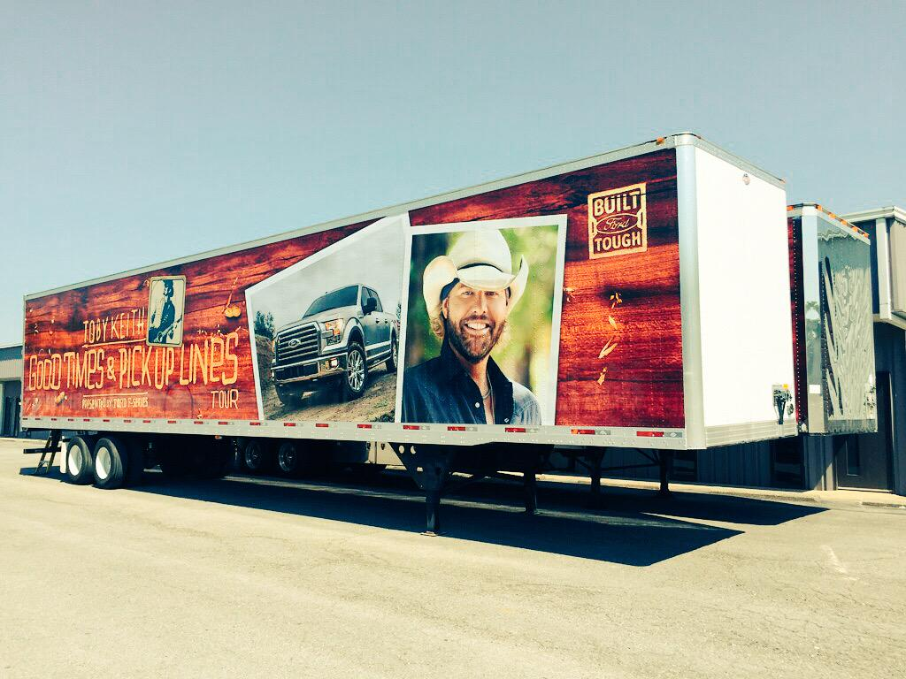 toby keith on twitter the trucks are wrapped and ready. Black Bedroom Furniture Sets. Home Design Ideas