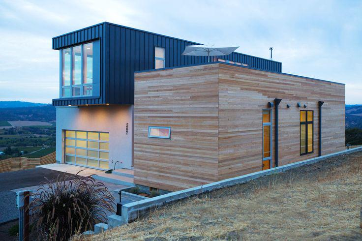 PreFab doesn't have to mean small - Take a peek at this house in Sonoma which is 2,300 square feet. #DesignLUX http://t.co/LmmpfJFU2t