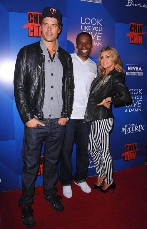 RT @DBDonamatrix: #TBT #chinchin #Hollywood #donamatrix #Nivea #LookLikeYouGiveaDamn #redcarpet w/ @joshduhamel @Fergie http://t.co/BgeXvFn…