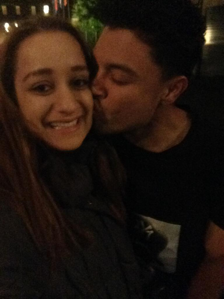 THIS TOOK ME 6 DAMN YEARS MY KNEES ARE SHAKING @AlfredoFlores I LOVE YOU http://t.co/3hE2CfrLYL