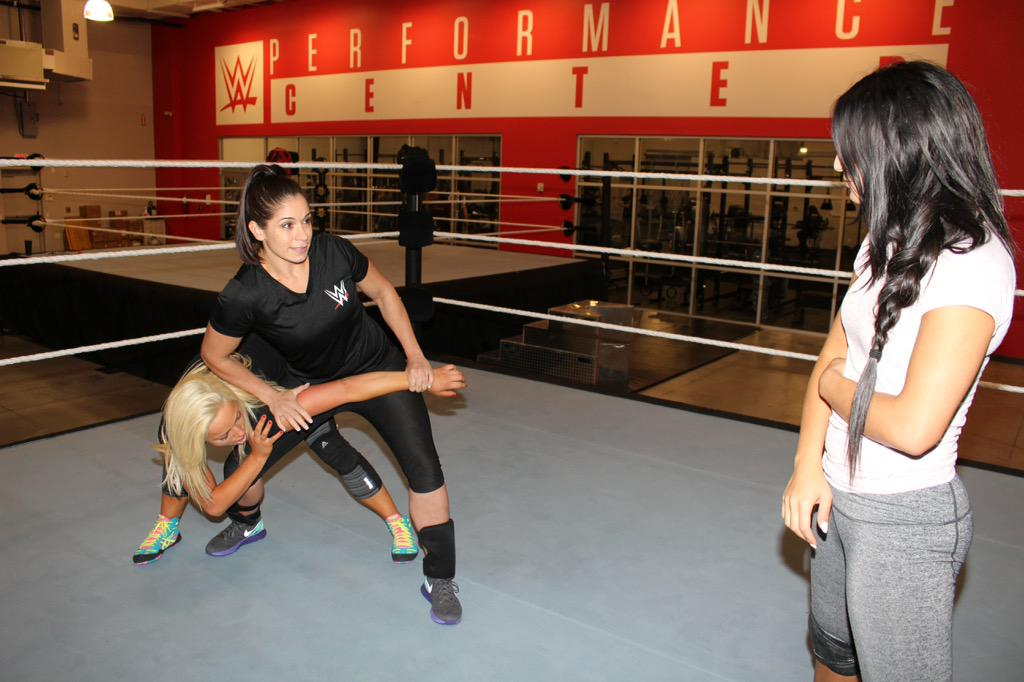 Great having @SSDarkAngel in with the divas this week experience/knowledge like no other @WWEPerformCtr @WWENXT http://t.co/bUL2LuyOvf