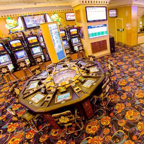 Top 10 #casinos in #HCMC, featuring @CaravelleSaigon  @RexHotelSaigon  and @TheGrandHoTram at http://t.co/x8tBwfslrJ http://t.co/gmumN3tGIx