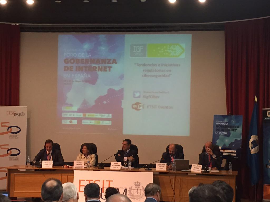 Mesa redonda sobre tendencias regulatorias ciberdeguridad #igfciber http://t.co/J0AmErYeKR