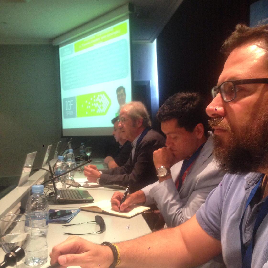El rictus del emprendedor en #igfemprende con @abarbero @amfumero y Cesar Ullastres http://t.co/y5JyT4KmA6