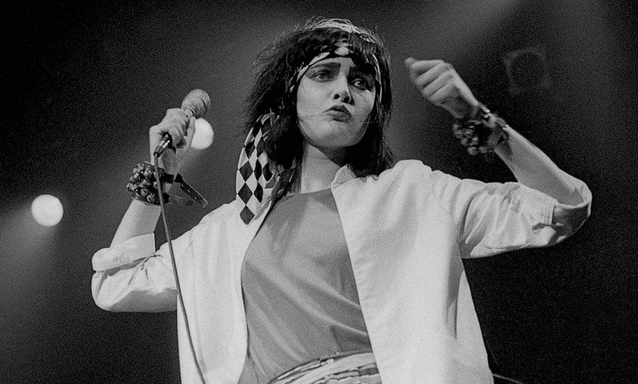 RT @thepooluk: We'll never ever get tired of Siouxsie Sioux, the OG (original goth) https://t.co/e0aKwDQGvh http://t.co/9NqHZLz7Jn