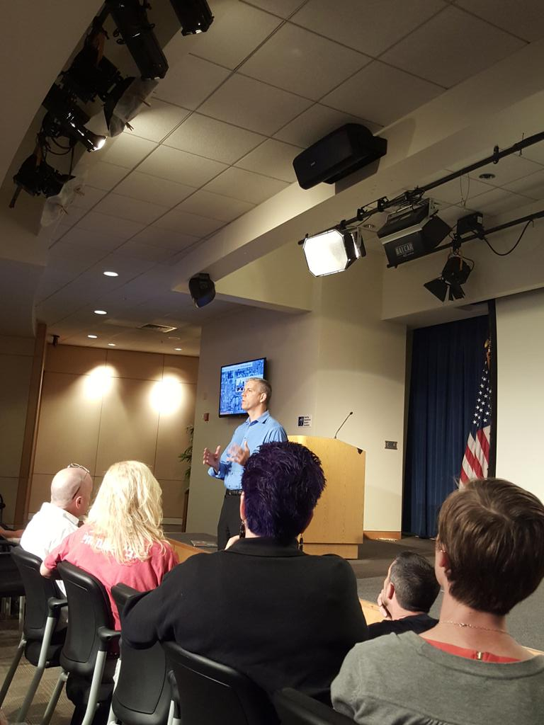 """""""we have amazing kids in our country."""" @arneduncan #EdcampUSA http://t.co/2P7a4SzK2u"""