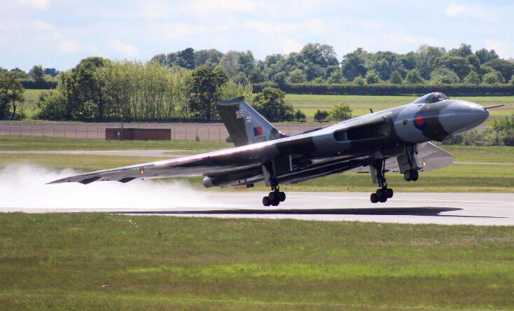 RT @XH558: Great image of XH558 drying out the runway moisture today on rotation. Well done Paul Lindley on this capture. http://t.co/xuXTF…