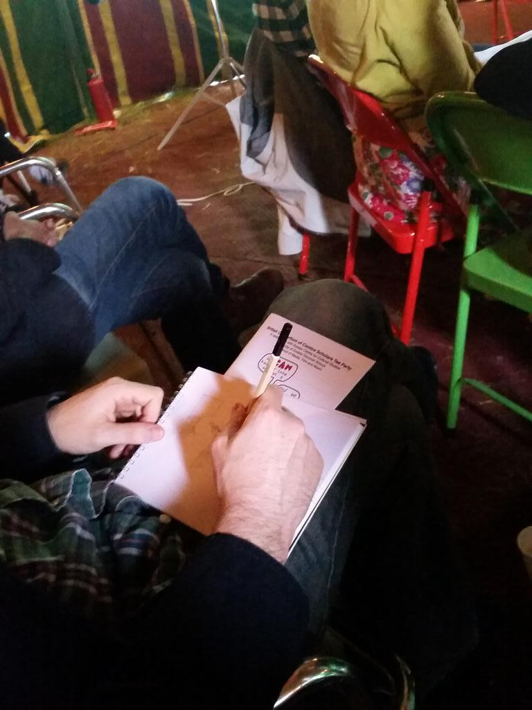 Dr @ExplodingCanon sketches while listening to @candidalacey @MyriadEditions describe the awesome Angoulême festival http://t.co/8ZZUmm4LrF