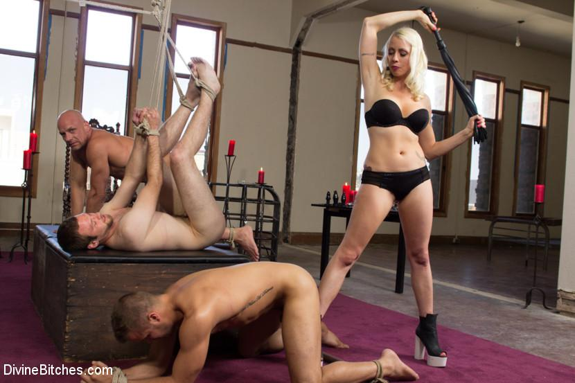 Femdom competition vid-3176