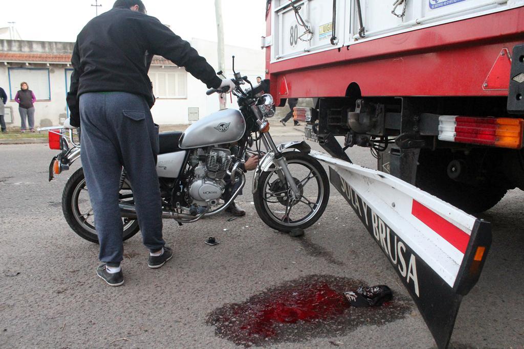 Gral.Pico |  Murió un motociclista que chocó a un camión