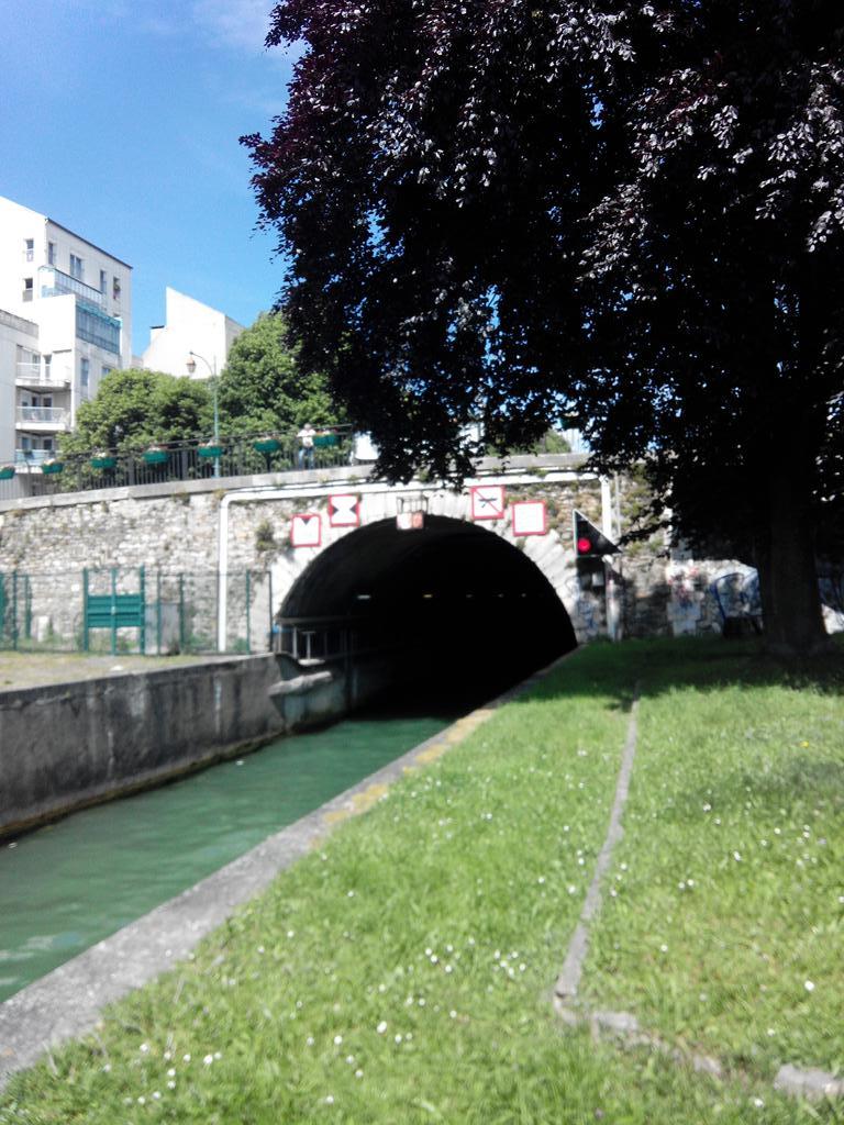 Tunnel du canal de St-Maur #metropoleaufildeleau http://t.co/3xCD1zXVwN