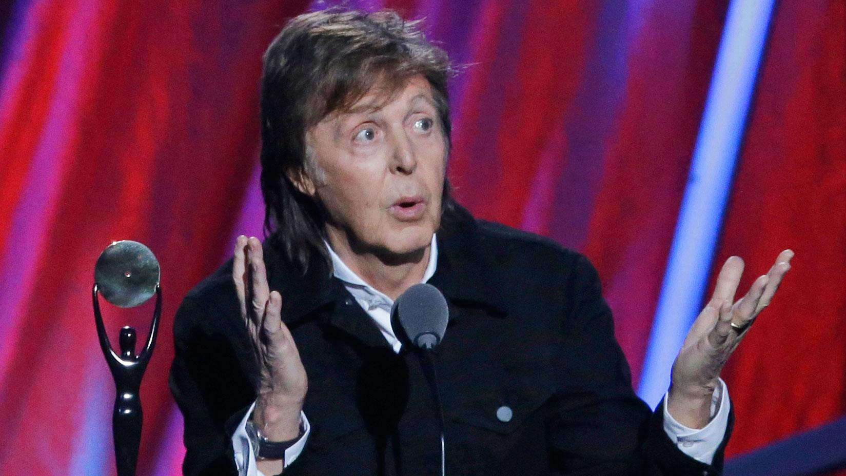 RT @mashable: Responsible grandpa Paul McCartney says he's given up smoking weed. http://t.co/A3a9rNKFBt http://t.co/dNkg7VsVK9