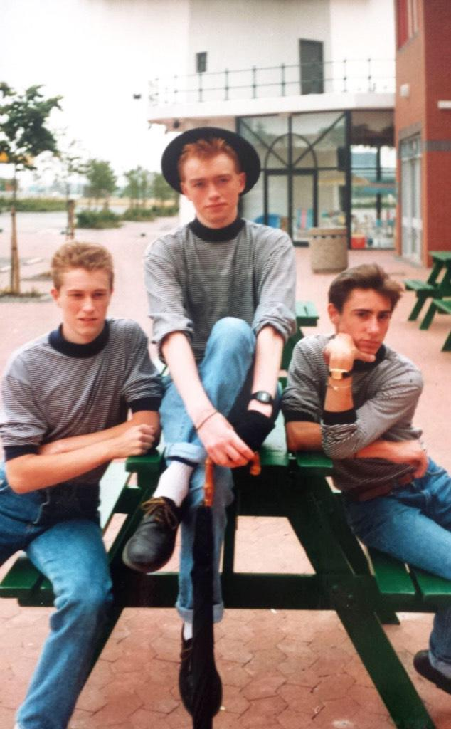 Good day to bury bad news? As @Arsenal third goal goes in, pic emerges of @timfarron in a punk band (via @_Jet_Fuel_) http://t.co/UkZxM3mpPG