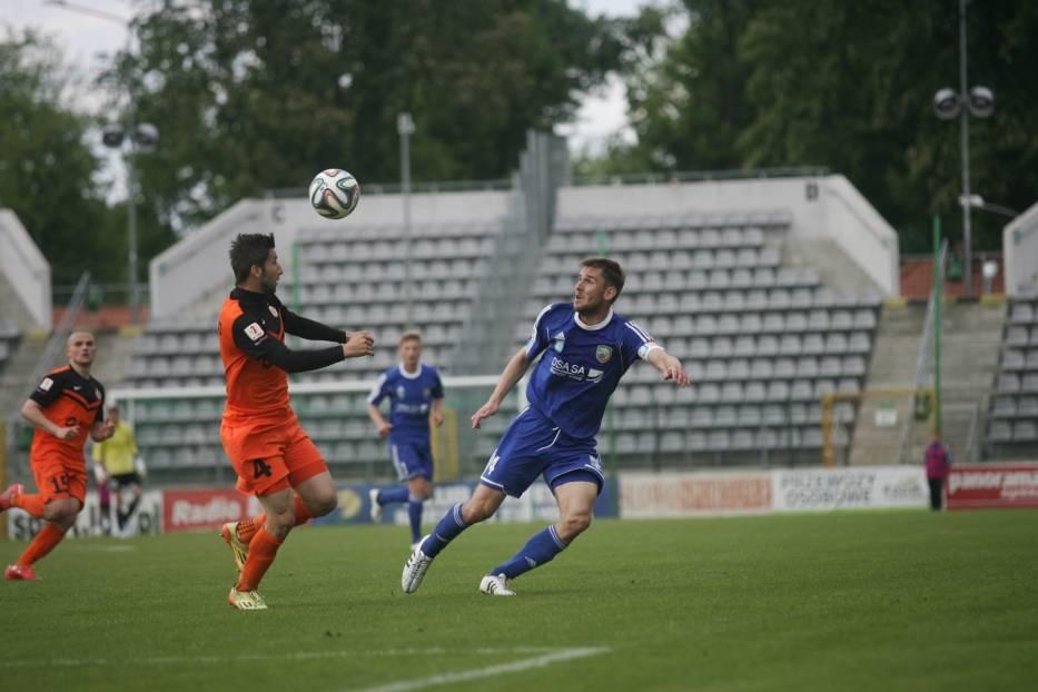 Todorovski heads the ball