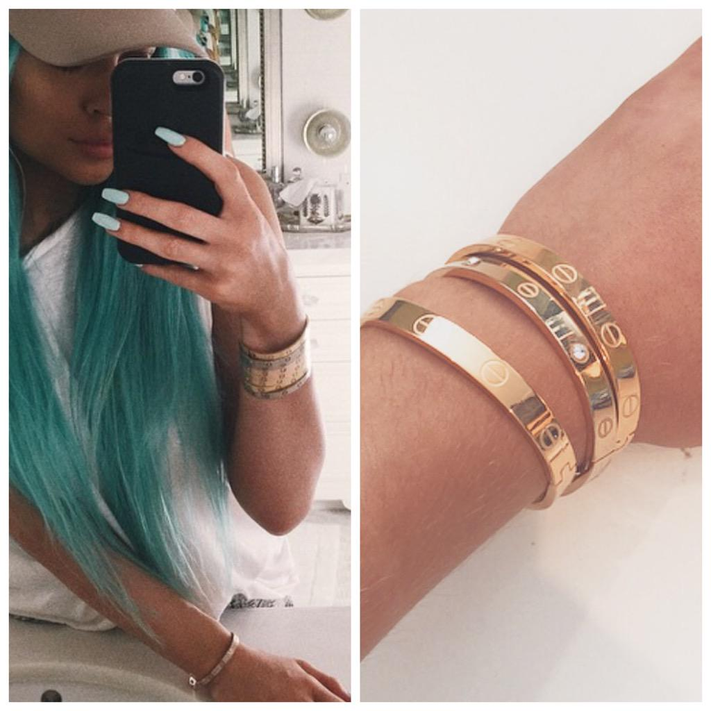 Everyone is going mad for the Celebrity Bangles on http://t.co/aVobFMgKkg ... Get ordering 😘 http://t.co/LMpftPz7Dq
