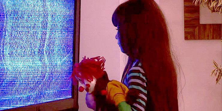 Real-life 'Poltergeist' Prank Terrifies These Poor Unsuspecting Brazilian Babysitters http://t.co/5EFHGsqYNS http://t.co/s4gAzNQfQp