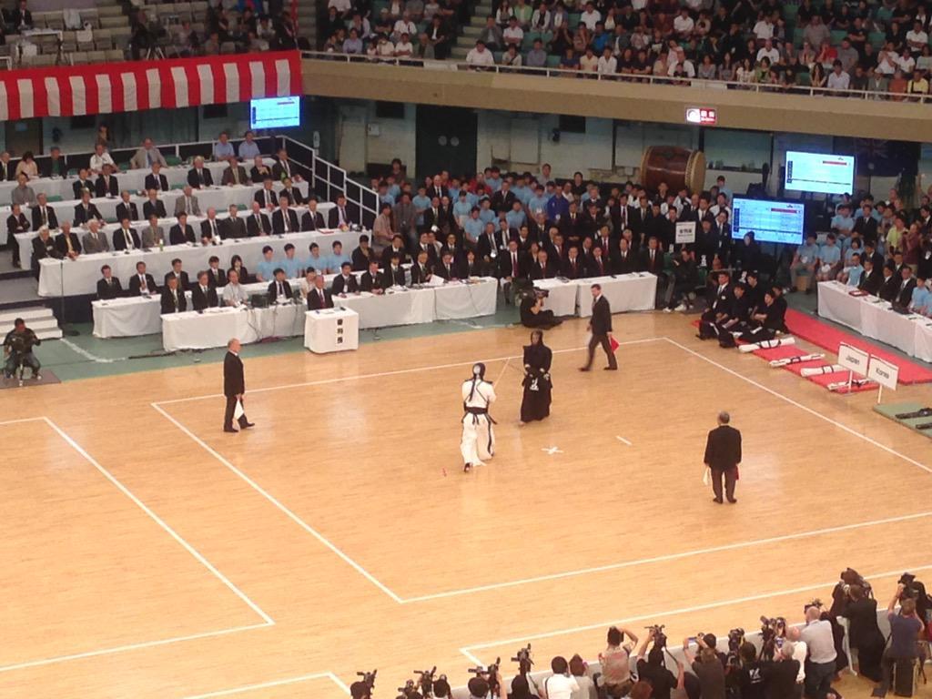 世界剣道選手権大会 男子団体 結果 優勝 日本 二位 韓国 三位 アメリカ、ハンガリー http://t.co/FFqK6umup5