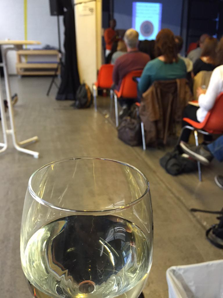 One Night Stand with @sree - social media masterclass AND wine #genius #sreeberlin #wam15 http://t.co/CYfMF1b2I7