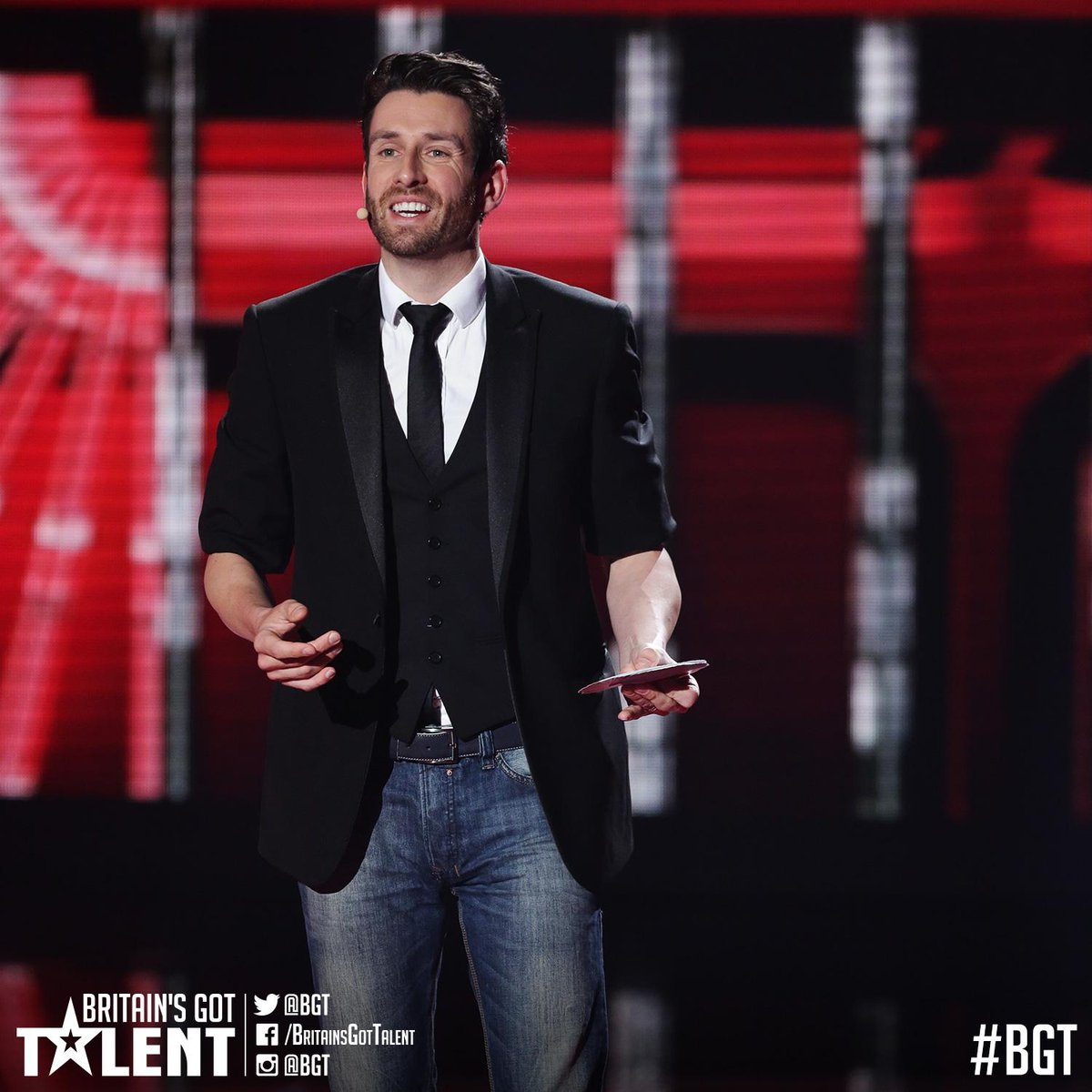MAGIC!! RT if you're #TeamJamieRaven!! #BGTfinal http://t.co/DUFMtUHBmb