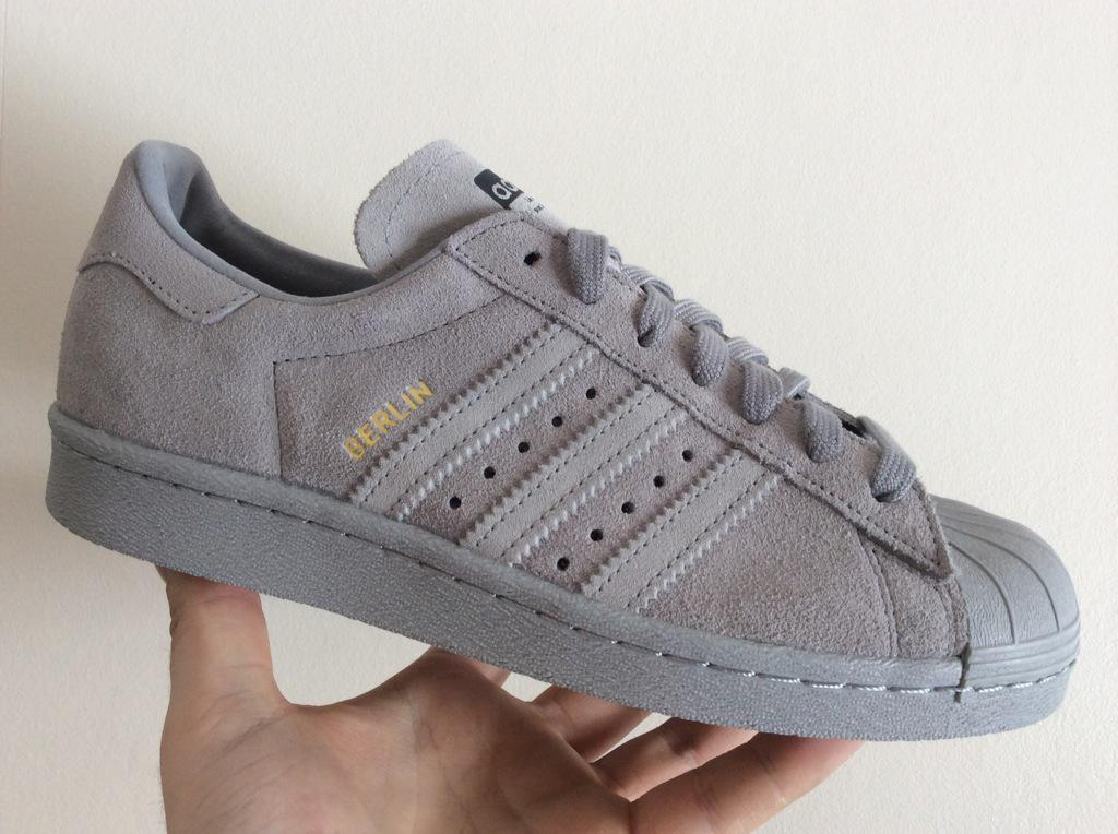 adidas superstar berlin grises